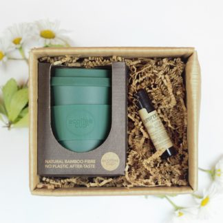 Sustainable zero waste gift box set with reusable coffee mug and aromatherapy